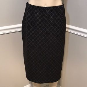 EMMA JAMES Black & White Pull On Skirt Size Large